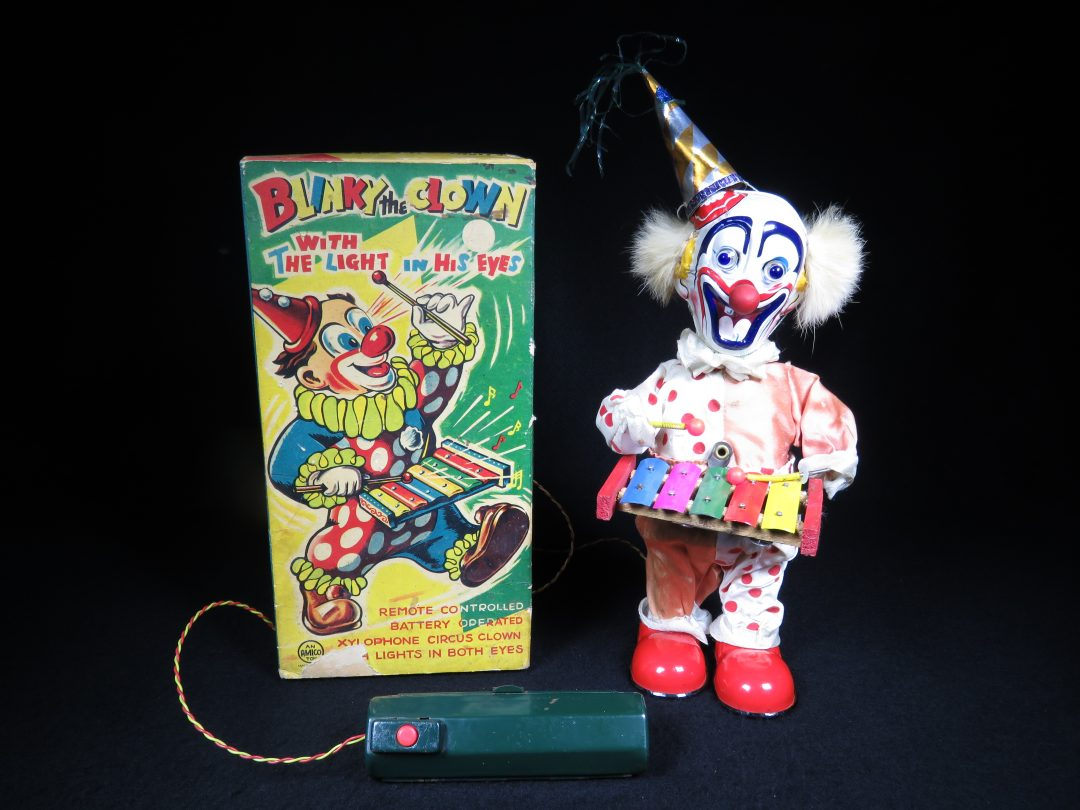 Vintage Antique Tin Lithograph Battery Operated Blinky Clown Circus Xylophone Music Toy Amico Japan