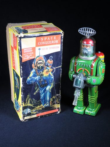 Antique Vintage Tin Lithograph Space Conqueror Astronaut Robot Battery Operated Toy Daiya Japan