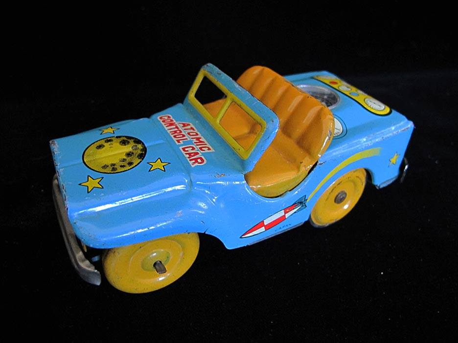 Antique Vintage Atomic Control Car - Daiya – Japan Tin Lithograph Mechanical Friction Powered Space Jeep Toy For Sale