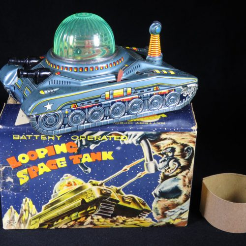 Antique Vintage Looping Space Tank - Daiya – Japan Tin Lithograph Battery Operated Futuristic Vehicle with Original Box For Sale