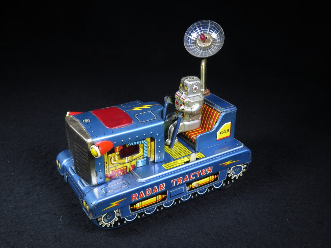 Antique Vintage Robot Radar Tractor Tank - Ichiko – Japan Tin Lithograph Battery Operated Space Vehicle with Radar Dish Toy For Sale
